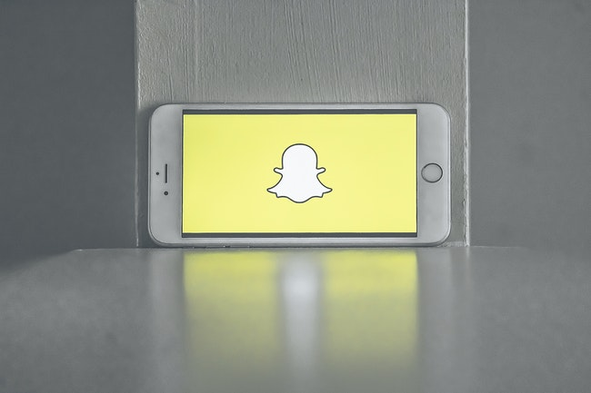 How to take screenshots in snapchat secretly?
