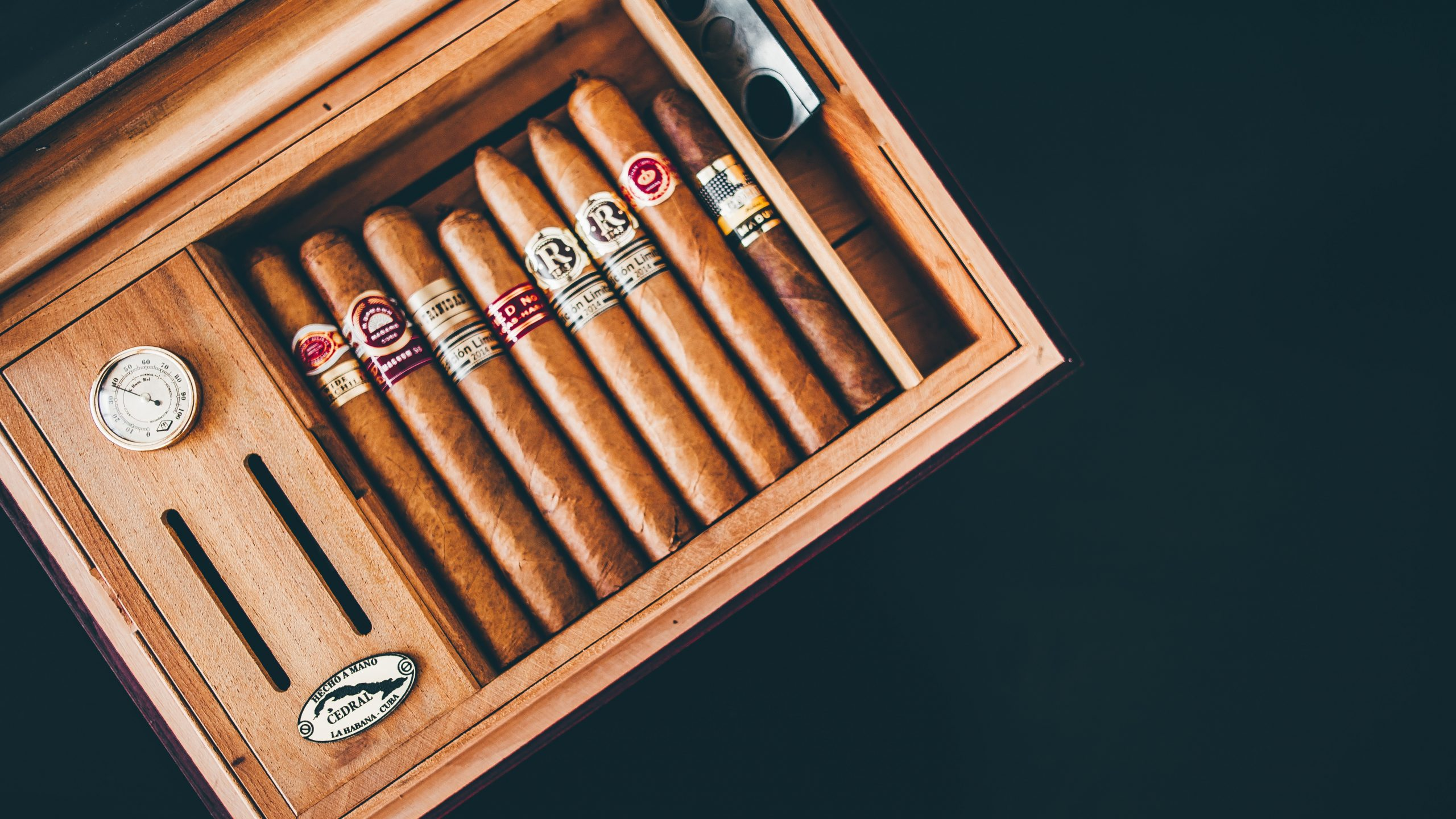 5 Reasons You Should Invest in Custom Cigar Boxes